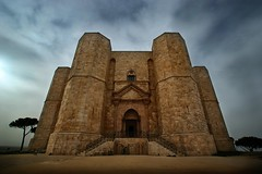 The gathering (phr4nq) Tags: castle history sony alpha 1001nights puglia octagon murgia casteldelmonte cubism apulia federicoii a350 mywinners abigfave anawesomeshot aplusphoto goldstaraward