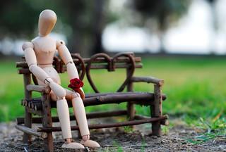 Lonely... ليه ساكت وداخلك زحمة حكي