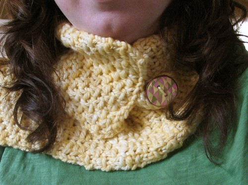 Yellow neckwarmer