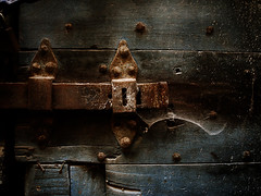 (Daniele Peruzzi) Tags: door wood old italy color photoshop vintage town alley rust key italia colore lock decay web rusty olympus dirty cobweb vicolo decayed brutal lazio citt legno anagni portone sporco ragnatela ciociaria e400 ce3 aplusphoto