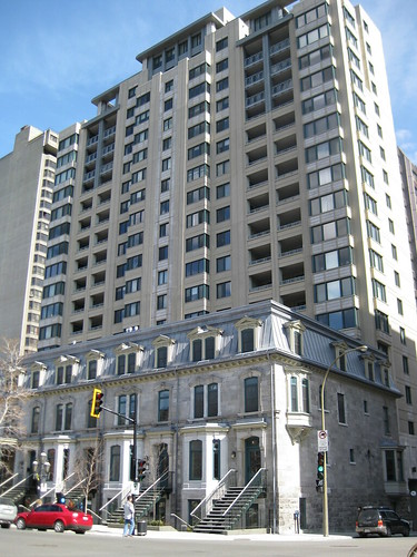 Greystone facade on Sherbrooke O.