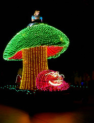 Disney - Disneys Electrical Parade - Alice in Wonderland