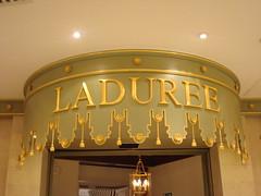 London 2009-Ladurèe Harrods