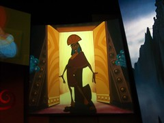 Emperor's New Groove projections at Disney Animation (Loren Javier) Tags: disneyland emperorsnewgroove californiaadventure hollywoodpicturesbacklot disneyanimation kuzko