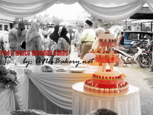 simple black and white wedding. red n white wedding cakes @