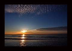 tramonto invernale (paolo brunetti) Tags: sunset sea sky cloud sun reflection beach water boat barca tramonto mare ship cloudy horizon pisa nave cielo sole acqua arcobaleno livorno shining spiaggia backwash riflesso orizzonte tirrenia nuvoloso raimbow calambrone risacca splendente vosplusbellesphotos