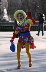 Madrid (CarloAlessioCozzolino) Tags: madrid man smile joy happiness mimo uomo sorriso spagna allegria felicità parquedeelretiro