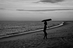 Surfing? (Aline Spezia) Tags: family boy sea vacation praia mar kid surf férias garoto família iso bahia criança alto pretoebranco aline portoseguro coroavermelha spezia criana fžrias
