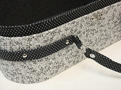 Bolsa/maletinha Carol (Pati Morante) Tags: bolsa maleta tecido frasqueira cartonagem