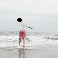 i dreamed i heard the ocean (kellysauer) Tags: ocean portrait selfportrait seascape hope waiting waves free seashore selftimer oneword redgingham omot onewordhope picturehope ithinkillrunaway