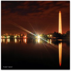 Washington Monument (Ronaldo F Cabuhat) Tags: longexposure reflection water stars washingtondc pond colorful nightshot washingtonmonument starburst washingtonmemorial tidalbasin nightreflection canoneosdigitalrebelxti pinoykodakero cabuhat