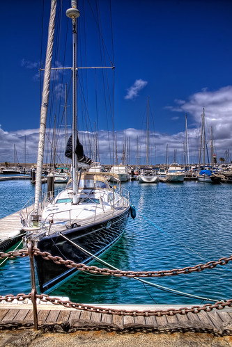 Sailboat – Velero, Lanzarote HDR por marcp_dmoz.