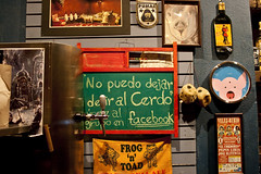 No puedo dejar de Ir al Cerdo (tatirijillo) Tags: blue red yellow wall méxico bar night chalk downtown towel coahuila saltillo greenboard beerdispenser