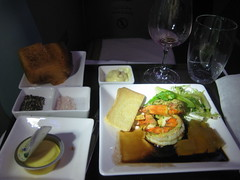 Etihad business class appetizer - prawns - New York - Abu Dhabi (flyvancity) Tags: plane flying aviation united uae flight emirates abudhabi arab meal airways abu dhabi unitedarabemirates a340 etihad