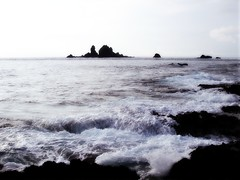 The rock of Warship  Orchid Island  ---   (Ming - chun ( very busy )) Tags: blue sea sky cloud island taiwan