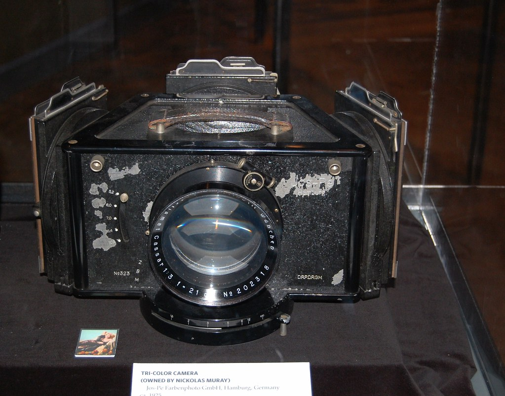 Tri-Color Camera - George  Eastman House