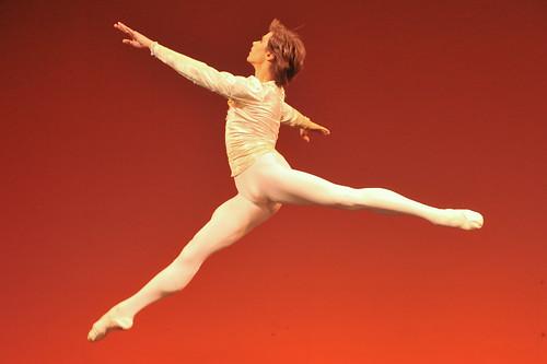 Bolshoi的小演员Artem Ovcharenko - Enya - Enya 的芭蕾世界