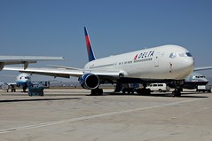 Delta Air Lines N134DL (Rich Snyder--Jetarazzi Photography) Tags: california ca plane airplane aircraft jet dal delta parked boeing wfu dl airliner 767 victorville jetliner b767 767300 deltaairlines 767332 stored b763 vcv n134dl southerncalifornialogisticsairport kvcv