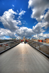The Vanishing Bridge (aka the Millennium Bridge) - London (5ERG10) Tags: uk bridge blue england sky white london sergio thames skyline architecture clouds photoshop river vanishingpoint nikon cathedral wideangle millennium handheld saintpaul architettura hdr highdynamicrange wobbly 3xp photomatix sigma1020 d80 amiti 5erg10 sergioamiti