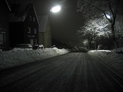Street/Night//Snow/Light (c-h-l) Tags: street longexposure schnee winter urban snow night germany deutschland nacht strasse nrw velbert artificiallight langzeitbelichtung strassenbeleuchtung bej mywinners abigfave platinumphoto anawesomeshot aplusphoto theunforgettablepictures