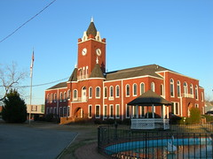 Photo of Coffee County Courthouse by Jimmy Emerson, jimmywane on Flickr.com, Creative Commons License - Some Rights Reserved (Attribution, Non-Commercial, No Derivative Works)
