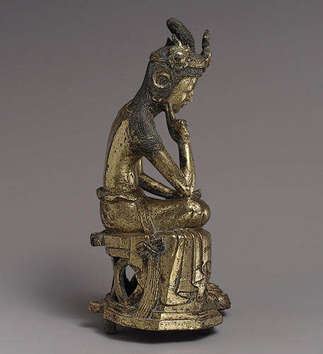 010a-Bodhisattva Pensativo-período de Tres Reinos (57 aC-668 dC)- Copyrigth © 2000-2009 The Metropolitan Museum of Art.corea