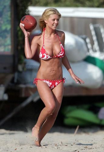 Tara Reid bikini photo
