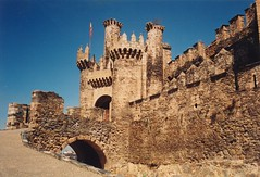 Ponferrada (ribizlifozelek) Tags: bridge castle spain middleages templar ponferrada