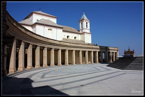 Vista del Claustro y de la Iglesia de los Sagrados Corazones