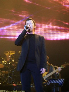 Rick Astley live in Chile