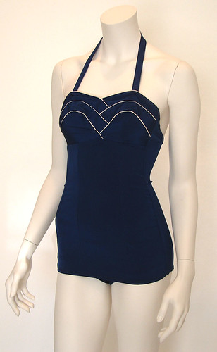 50s pin up fashion. vintage 1950#39;s pin up swimsuit