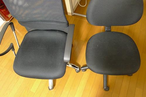 ハイバックチェアとオフィスチェアの座面比較