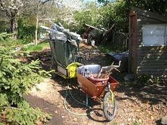 Aaron Goss's scrap metal load (Velo abzug) Tags: bike bicycle aaron cargo cargobike bakfeits