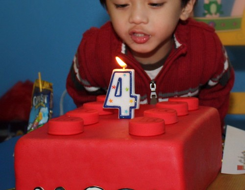 Tutorial Lego Birthday Cake