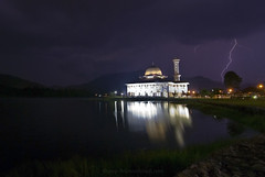 Darul Qur'an Mosque III - Lightning Storm (Firdaus Mahadi) Tags: longexposure sunset sky lake storm reflection weather night clouds amazing moments peaceful tranquility mosque serenity malaysia lightning moment awan dq thunder masjid malam blessed selangor langit tasik bukhari uwa   jamek mesjid peacefully ultrawideangle  kualakububharu maghrib  petir     kilat cuaca  guruh ribut  kkb     tokina1116mmf28 darulquran buyie masjiddarulquran masjiddq tasikhuffaz dqkkb firdausmahadi muktasyaf huffaz firdaus huffazlake longsexposures darulquranmosque annamir wwwfirdausmahadicom  dqmosque wwwdarulqurangovmy