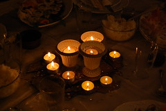 candle centerpieces (maria grazia preda) Tags: light italy table candle decoration lifestyle festa tisch candela tablesetting luce celebrating bougie buio tavola candele decorazione bicchieri christmastable decoracin centerpieces italianstyle tablescapes  addobbo centrotavola receber tischdeko tischdekoration apparecchiare apparecchiatura ricevere candlecenterpieces decorazionetavola tabledecorating mariagraziapreda decorerlatable