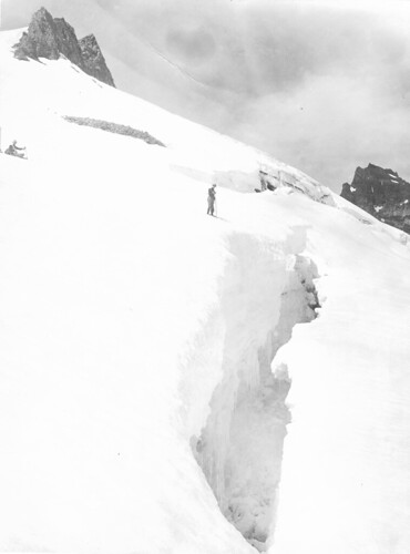 Mazamas viewing crevasse, Mt. Rainier