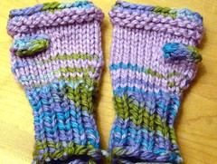 Toddler Mitts in LL bulky