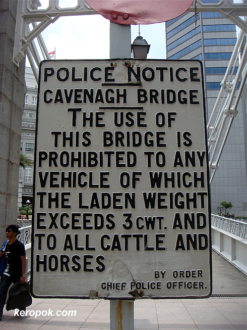Cavenagh Bridge Sign
