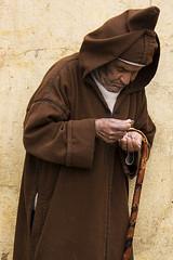 Dinero (Ester Rodrguez) Tags: people man fez marruecos eos400d