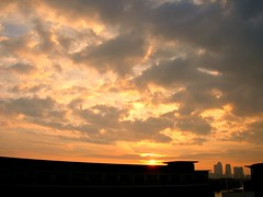 Sunrise over London (dennison.pj) Tags: morning sky london sunrise wharf canary