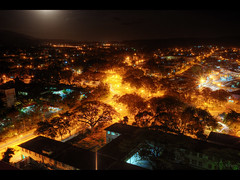 Santiago de Cuba (Kaj Bjurman) Tags: street santiago yellow night photoshop dark de eos cuba large cs 5d 2009 hdr kuba kaj mkii markii photomatix bjurman