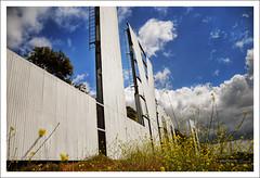 more daring shot (Kris Kros) Tags: california ca sign photoshop photography high nikon dynamic landmark icon hollywood kris range hdr kkg d300 cs4 photomatix kros kriskros 5xp kkgallery