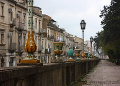 la passeggiata delle maioliche (Beppe Modica) Tags: city italy art italia arte sicily colori lampioni sicilia citt caltagirone sizilien sicilie maioliche lifetravel canoneos450ditalia