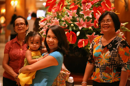 3 generations at the Shangri-La lobby