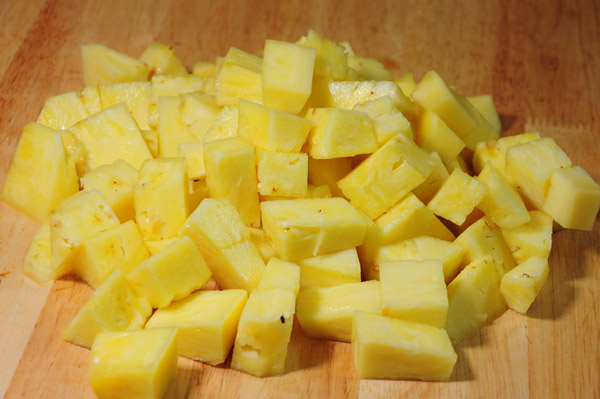 pineapple cubed