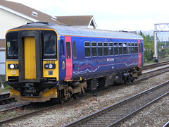 153369   Gloucester   28-04-2009 (AndrewHA's) Tags: gloucester 153 sprinter greatwestern firstgroup