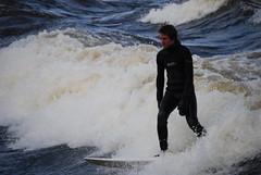 Surfing prs de l'le Bate, rivire des Outaouais (Eric Aubin - Ottawa) Tags: surfing ottawariver