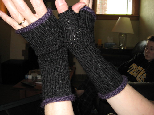 Simple wrist warmers