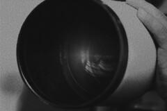 CICLOPE. BUENOS AIRES. ARGENTINA. (tupacarballo) Tags: blancoynegro argentina photoshop canon buenosaires reflejo mano yourcountry tupacarballo teleobjetivo300mm28canon